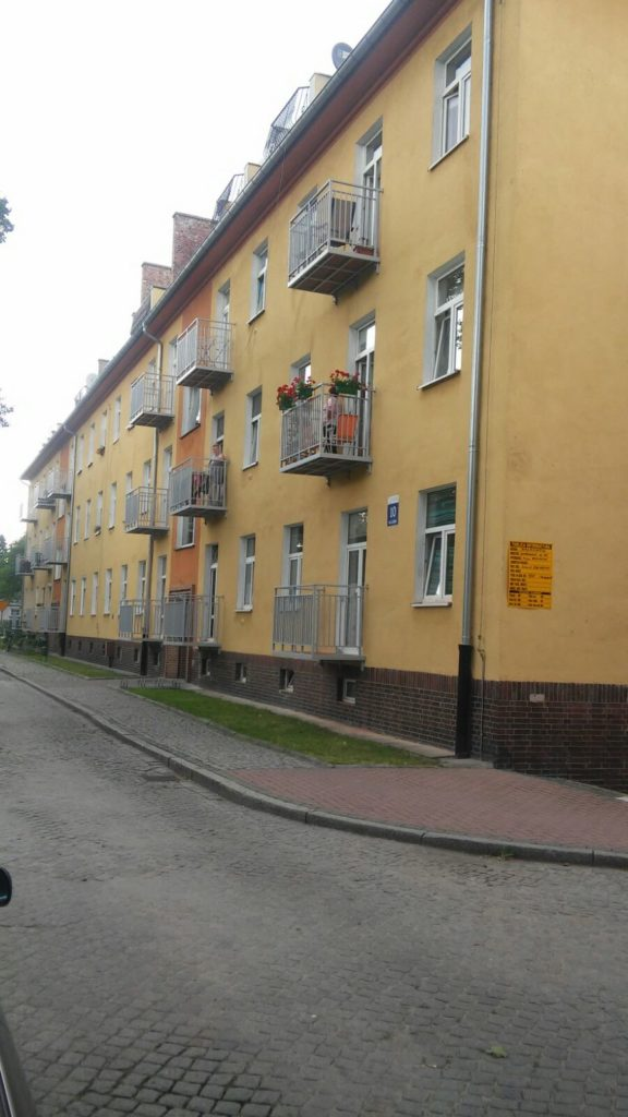 Balkon podwieszany dostawny